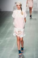 015-bora-aksu--ready-to-wear-rtw--jaro-leto-spring-2015--london