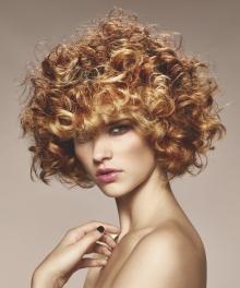 009-boho-curl-schwarzkopf-ucesy-jako-modern-glamour