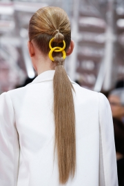 017-falesny-culik-christian-dior-haute-couture-spring-2015