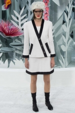 013-chanel-haute-couture-spring-2015