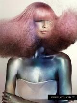 001-ruzove-vlasy-alexander-turnbull-british-hairdressing-awards-2015