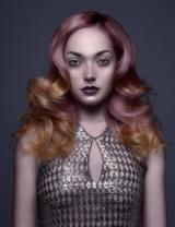 006-ruzove-vlasy-connor-lange-contessa-2016-canadian-hairdressing-awards