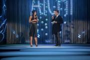 Adela Kodetová na udeľovaniu cien AICHI 2015 odpovedá na otázky moderátora večera Leoša Mareša.