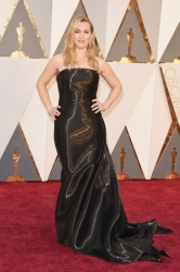 003-kate-winslet-saty-ralph-lauren-oscars-2016-red-carpet