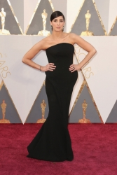 008-sarah-silverman-oscars-2016-red-carpet