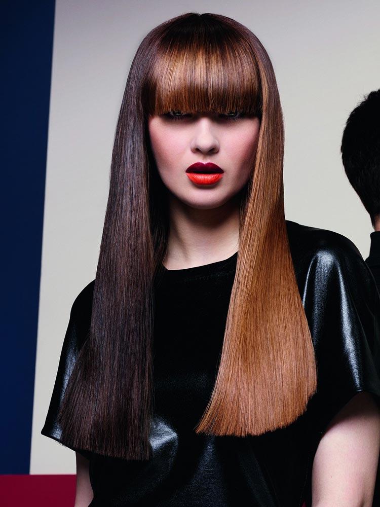 Účesy pre dlhé vlasy – nové trendy pre jeseň / zima 2014/2015: Dlhovlasé brunetky v koňakových odtieňoch.