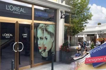 Rakúsky Designer outlet Parndorf odštartoval sezónu s novými obchodmi. Outletové mestečko má už tiež outlety L'Oréal, LISKA, La Perla či Brooks Brothers.
