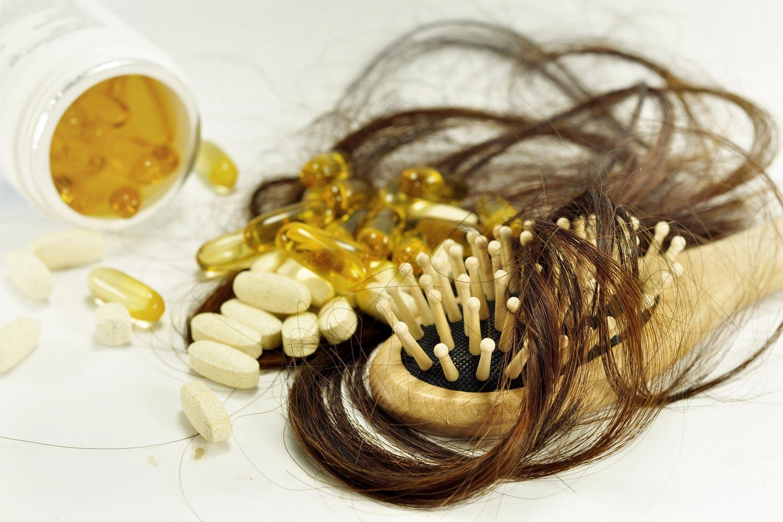 Niektoré lieky môžu byť príčinou padania vlasov.