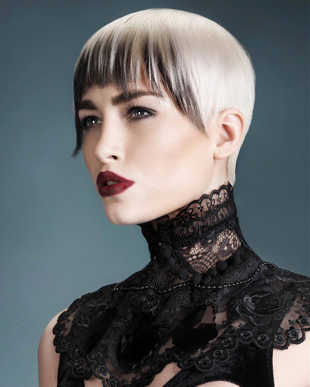 Farebné party účesy 2014/2015 vedia osviežiť všetky dĺžky vlasov, aj krátke. (Účes: Sharon Malcolm – BELLA Collection)