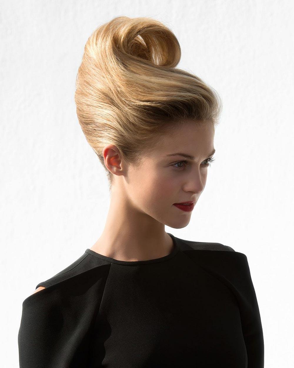Rýchle účesy pre dlhé vlasy – drdol ako obria vlna