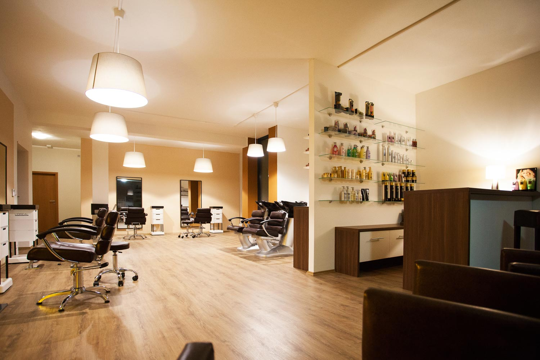 Interiér Salon EMOTION v Zlíne. Nové kaderníctvo nájdete na adrese Zarámí 90, Zlín.