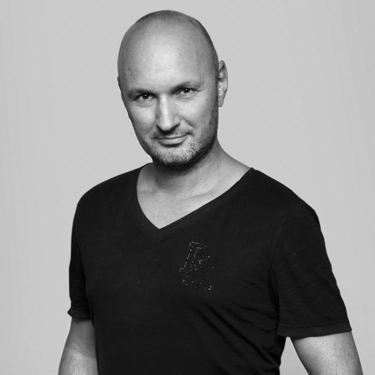 Rostislav Janků – majiteľ plzenského salónu LIQUID