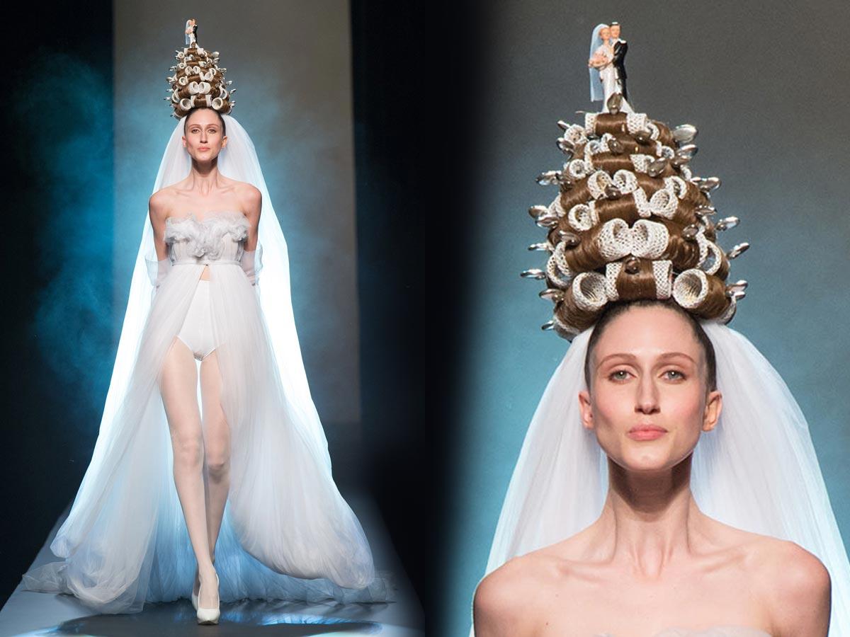 Svadba 2015 podľa Jean Paul Gaultiera – nevesta v bombarďákoch, natáčkach a so svadobnou tortou na hlave.
