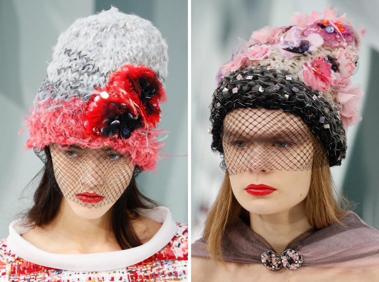 Verte-neverte, upliesť Haute Couture čiapku podľa Chanel zvládne aj menej zručný začiatočník.