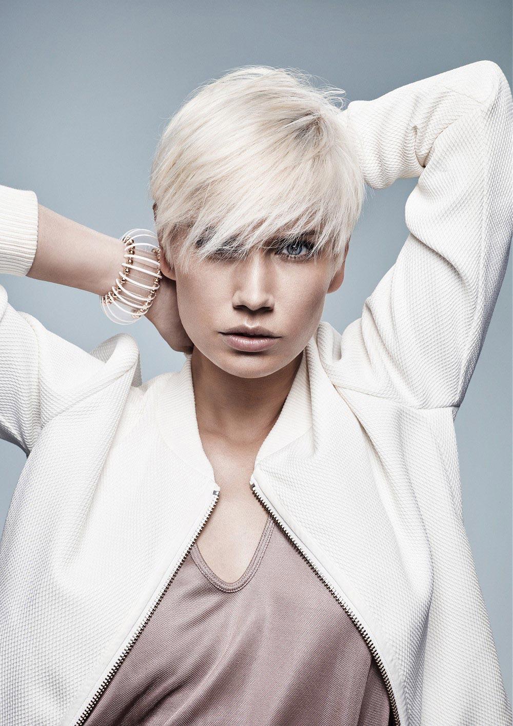 Blond vlasy 2016 – účes je z kolekcie Jean Marc Maniatis.