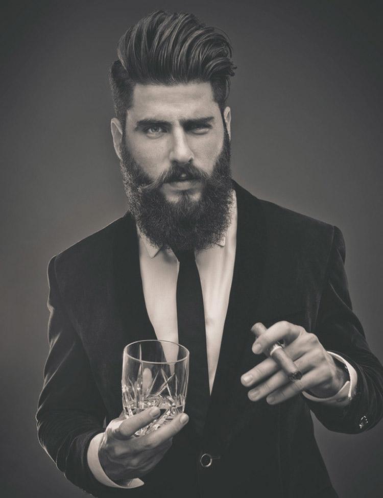 Pánska móda 2016 pre vlasy Matty Conrad predstavuje účesy s parádnou hipsterskou bradou.