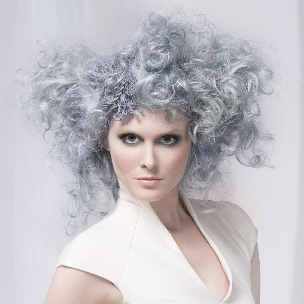 Farebné vlasy 2016 – šedá je farbou roka 2016 pre vlasy! (Wella Studio Signature Team – Nyla.)