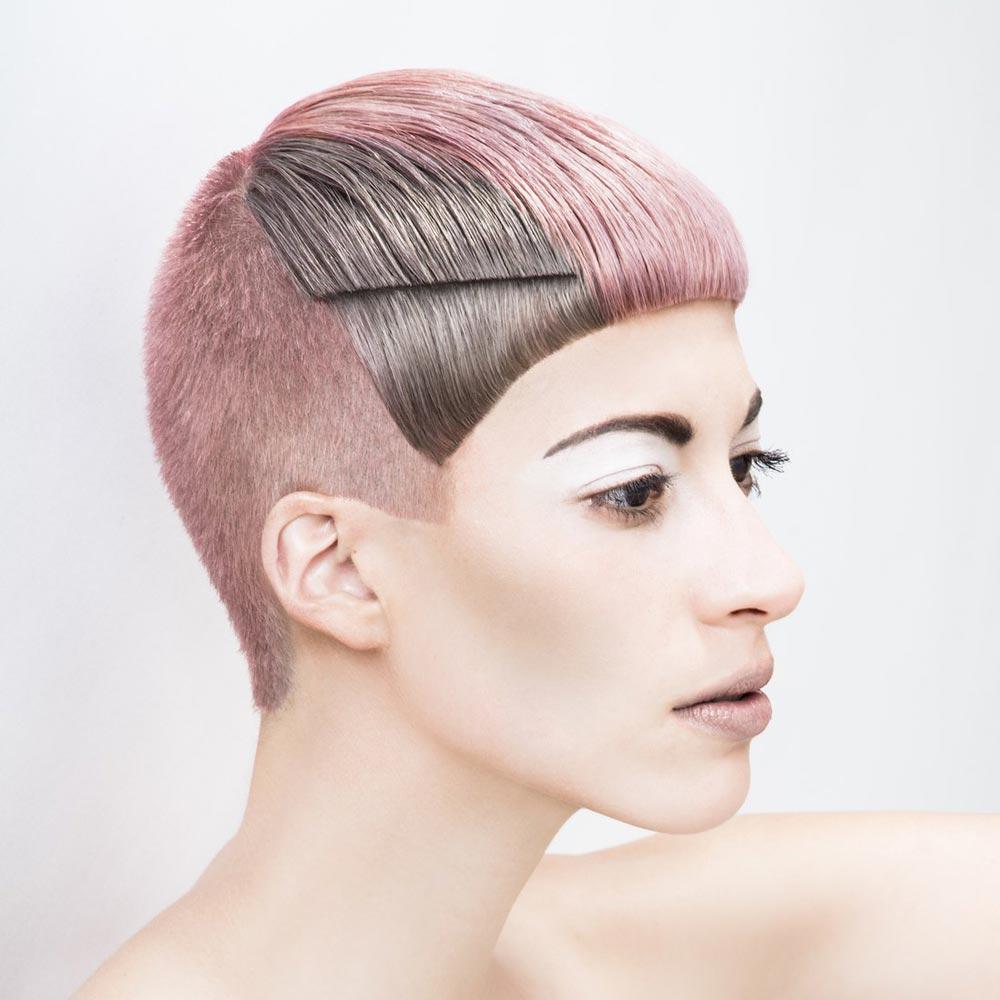 Farebné vlasy 2016 – Farba do strihu a farba v módnych color blokoch bude hitom sezóny. (Austrian Hairdressing Award 2015, René Melcher.)