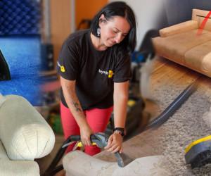 Čistenie a tepovanie kobercov či čalúnenia patrí do rúk profesionálov. Dokážu vyčistiť aj silné znečistenie a ušetria nám prácu i námahu.