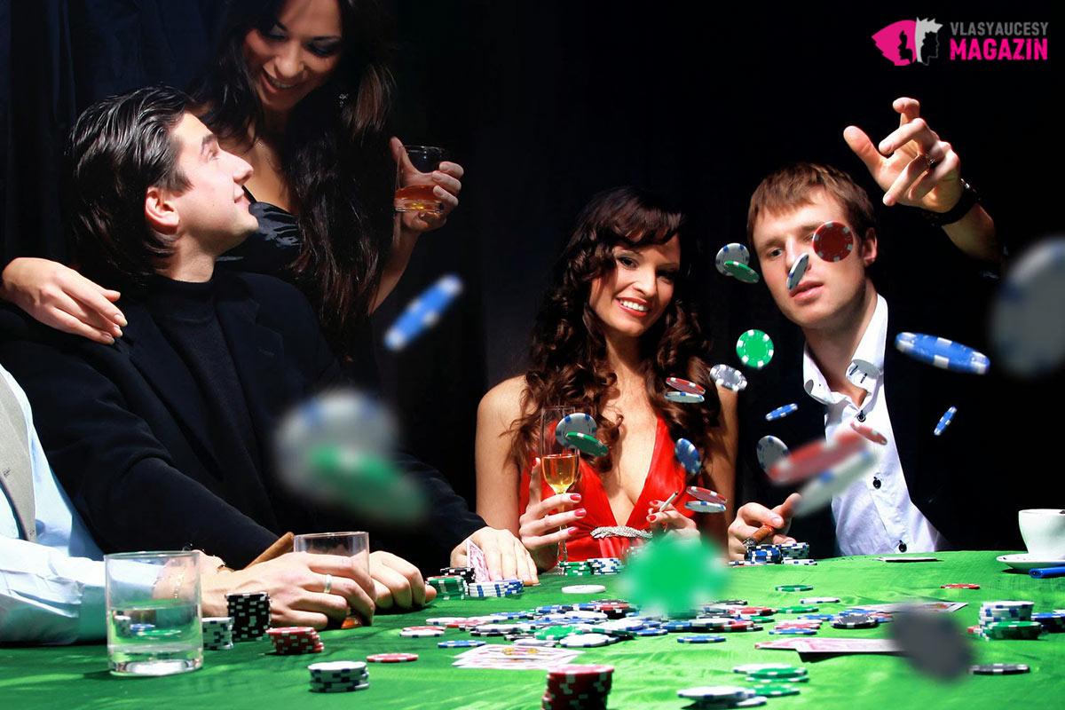 Na party v kasíne patrí kokteilové oblečenie.
